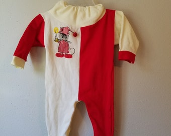 Vintage Baby Christmas Pajamas in Red and White with Santa Mouse by JC  Penney- Size newborn- Gently worn- Footed Pajamas- Pompom 572ae2aef