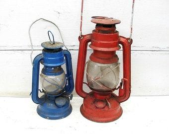 Kerosene Lanterns Pair - Vintage Barn Lanterns - Rustic Decor - Lodge Decor - Cabin Decor - Restaurant Cabin Decor - Red and Blue July 4th