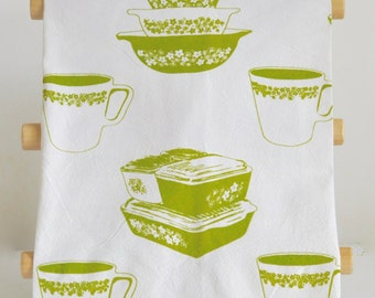 Tea Towel: Vintage Pyrex Spring Blossom Crazy Daisy All Over Print, New Design, Fridgies, Stacking Bowls, Pyrex Mug, Cinderella Bowls