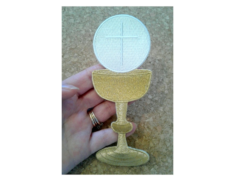 Communion Chalice W/ Host - Wine - Liturgical - Faith - Embroidered Iron On  Patch - Altar - Banners - Church Supplies - Communion