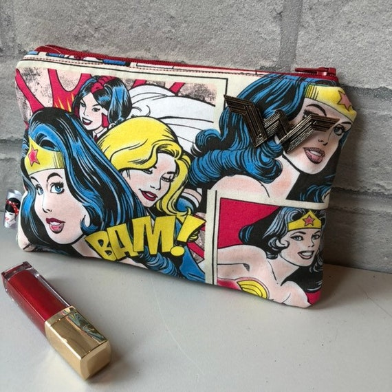 Wonder Woman Cosmetic Bag with Detatchable Pin DC Heros Comic Book