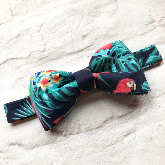 Tropical Parrot Bow Tie Rockabilly 1950's Inspired