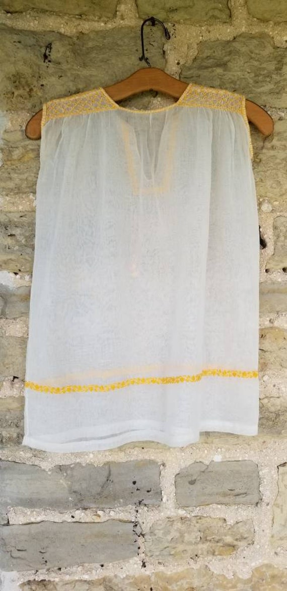Sunny 1930s Hungarian Embroidered Gauzy Summer Bl… - image 4