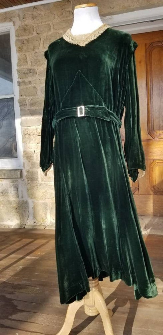RARE! Authentic 1930s Green Silk Velvet Dress, L