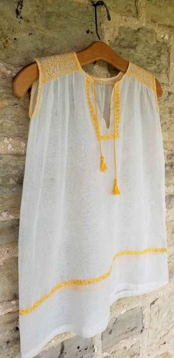 Sunny 1930s Hungarian Embroidered Gauzy Summer Bl… - image 3