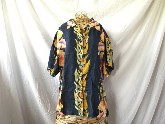 489b0f02f Vintage Hilo Hatties Hawaiian Shirt Ladies Flower Lei Print | Etsy