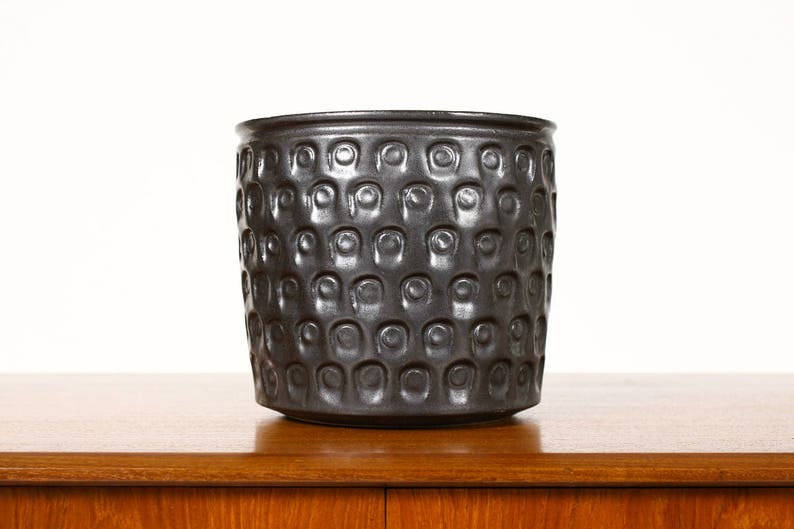 Ceramic Stoneware Planter \u2014 Keyhole pattern \u2014Black Glaze \u2014 P37