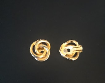 18966292c Paolo Gucci earrings, vintage, goldtone, clip on, designer