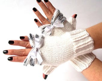 Knit Fingerless Gloves. White and Black Knitted Gloves with White Bow. Knit Wrist Warmers. Short Women Gloves. Arm Warmers.