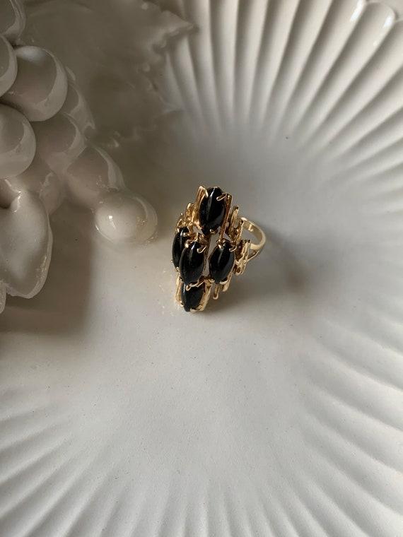 Vintage 14k Gold Bold Black Onyx Gemstone Ring