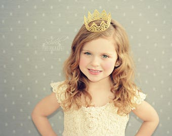 Baby Crown Headband / Golden Lace Crown / Baby Photo Prop / Newborn Gold Crown / Baby Girl or Boy Crown / First Birtday Crown / Party Crown