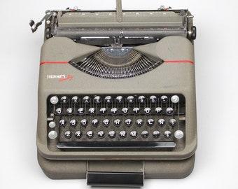 Hermes Baby portable typewriter - Spanish Keyboard