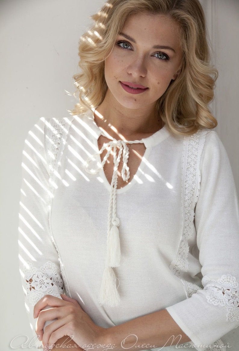 Elegant knitted skirt set suit Pastoral white and mint colours straight blouse with two types of lace and pleated skirt!