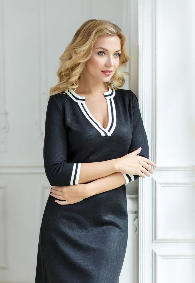 Sports style dress convenient dress casual dress black and white dress Comfortable dress dress for flat shoes or sneakers midi dress