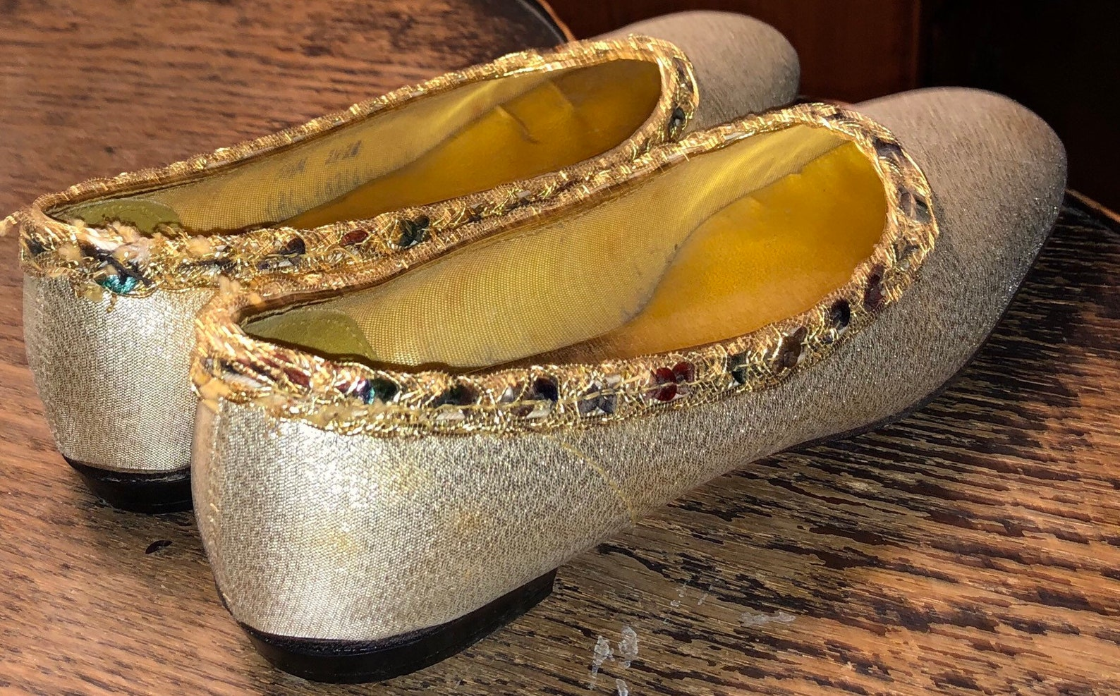 1960s gold lame flats di golanti originals size 5 1/2 slippers ballet slipper style lightly worn ladies shoes