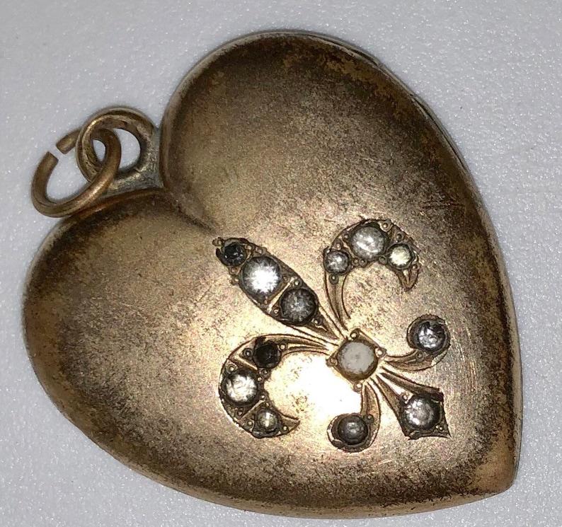 Art Deco Heart Locket w Fleur de Lis Vintage Gold Filled Heart image 0