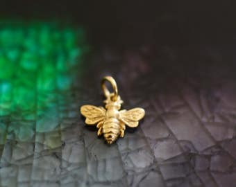 068cca05d Bumble Bee Charm - Bee Charm - Queen Bee Charm - - Gold Bee - Honey Bee  Charm Queen Bee - Golden Bee - Bee Theme Gift