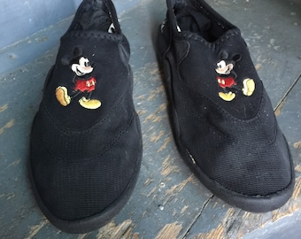 Mickey Mouse Walt Disney World Vintage Water Shoes Beach Shoes Embroidered Mickey