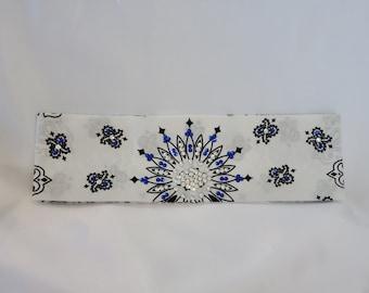 White Paisley with Blue and Diamond Clear Swarovski Crystals (Sku2022)