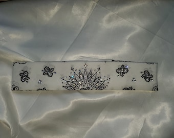 Narrow White Paisley with  Clear Crystals (Sku2031)