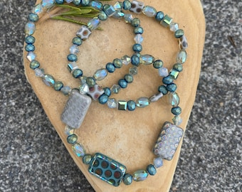 PEACOCK AURORA BOREALIS Bracelet & Earrings Matching Set-Pale Green and Silver Stretch Bracelets-Crystals, Czech Peacock Beads-Color Change