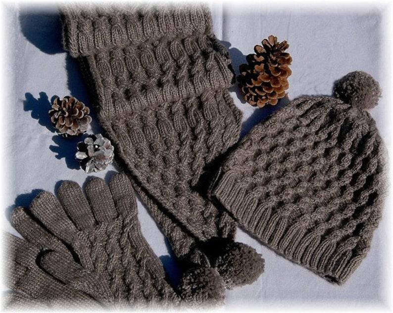 Scarf Hat & Gloves Set Campania Island hand knit image 0