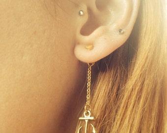 Ear Backdrop - gold tone anchor chain