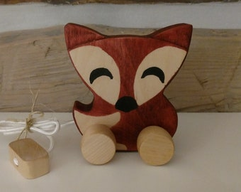 Quebec-made wooden fox to shoot