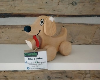 Wooden dog to hang out in Quebec