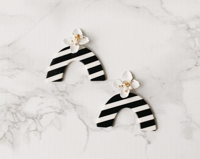 Bon Voyage Earrings - Black & White Stripe