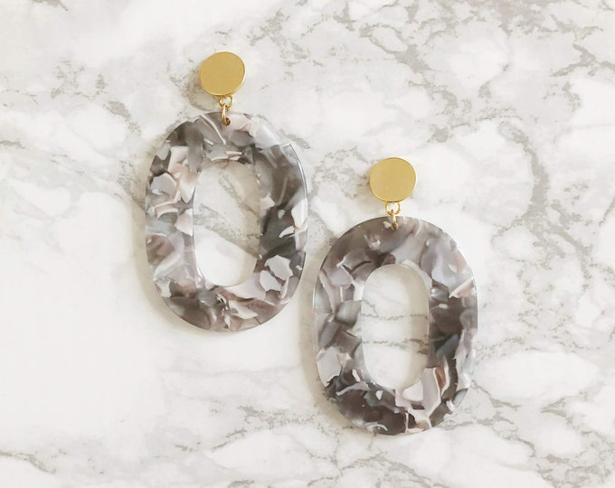 Lovers Statement Earrings - Lavender Gray