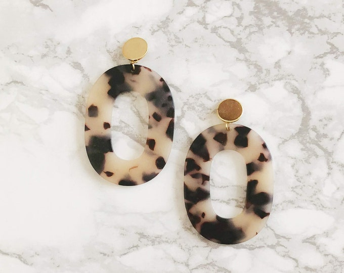 Lovers Statement Earrings - Light Tortoise