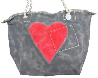 Ali Lamu Medium Weekend Bag Charcoal Heart Red