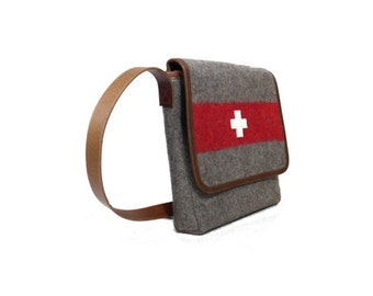 WD73 Swiss Army Blanket Shoulderbag by Karlen Swiss
