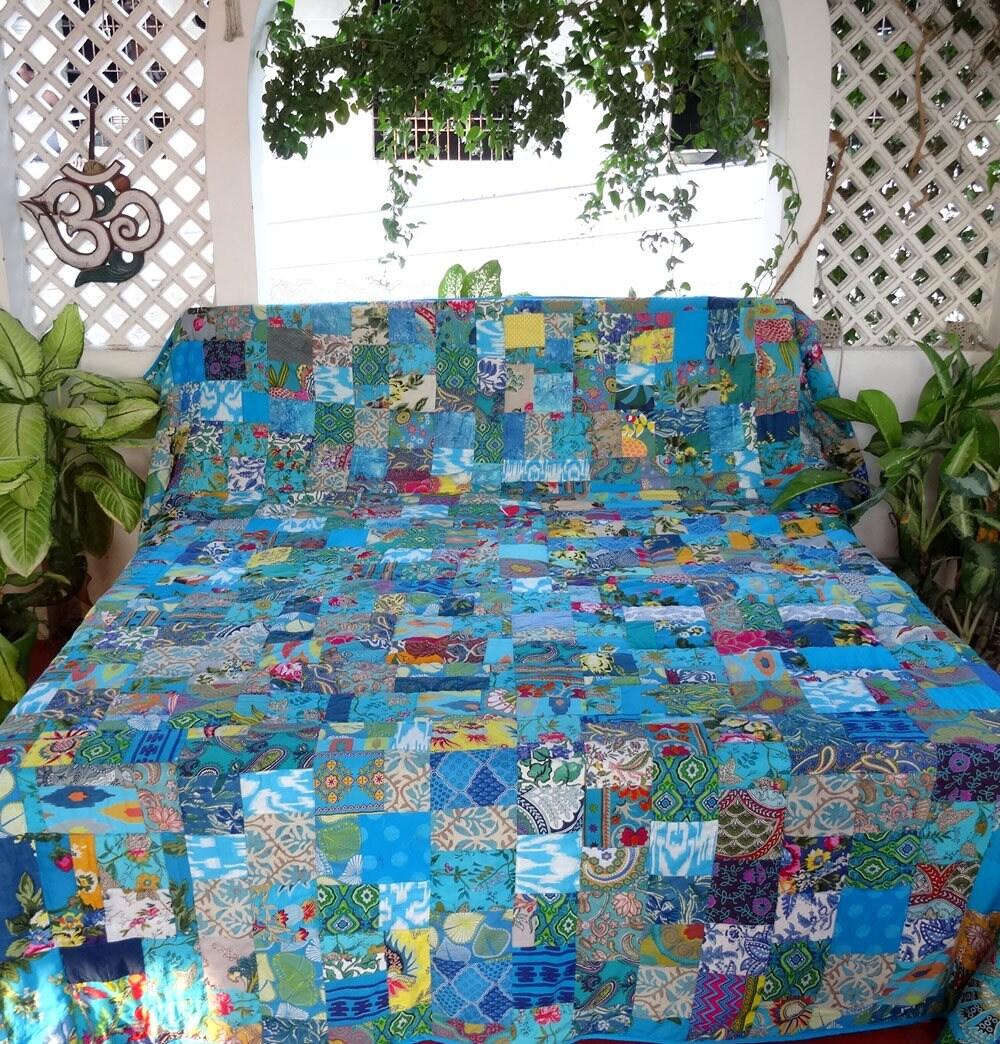 dessus de lit plaid tenture en patchwork de coton bleu et. Black Bedroom Furniture Sets. Home Design Ideas