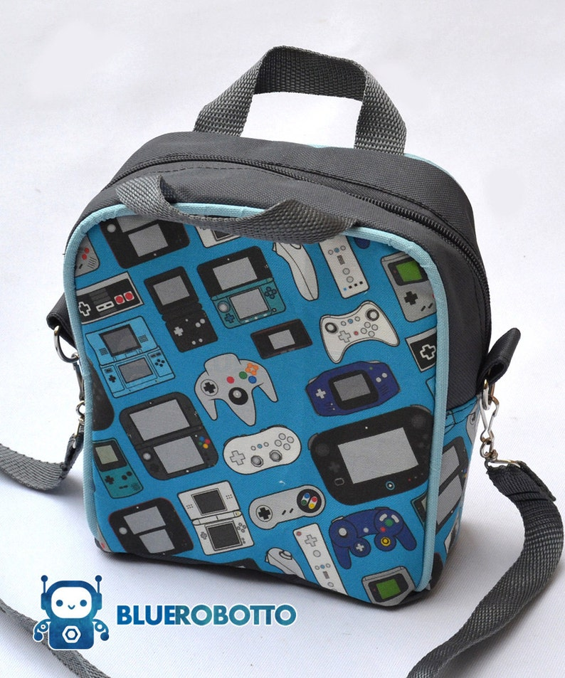 f746cccf14c5 Video game controllers lunch box / lunch bag