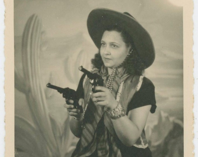 Vintage Portrait Photo: Cowgirl, Lebanon, c1940s [91769]