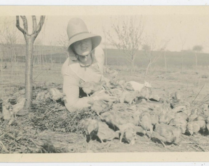 Vintage Snapshot Photo: Down with the Chickens [91762]
