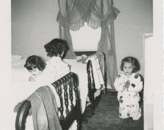 Vintage Snapshot Photo: Prayers [811740]