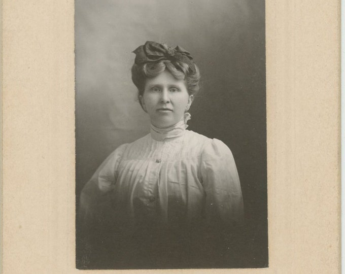 "Vintage Portrait Photo: ""Mrs. Lida Mell, La Harpe, KS, 1906"" [89721]"