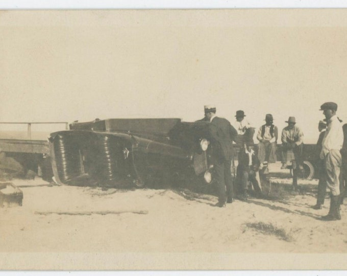 Vintage Snapshot Photo: Roll Over Car Wreck, c1920s  [91764]
