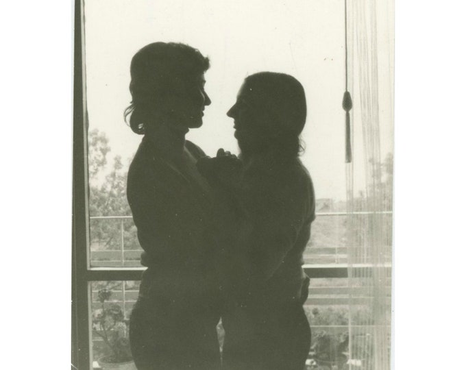 Vintage Snapshot Photo: Silhouette, Two Women (87700)