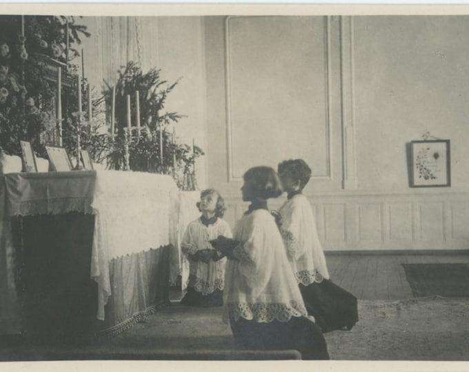 Vintage Snapshot Photo: Altar Boys [86696]