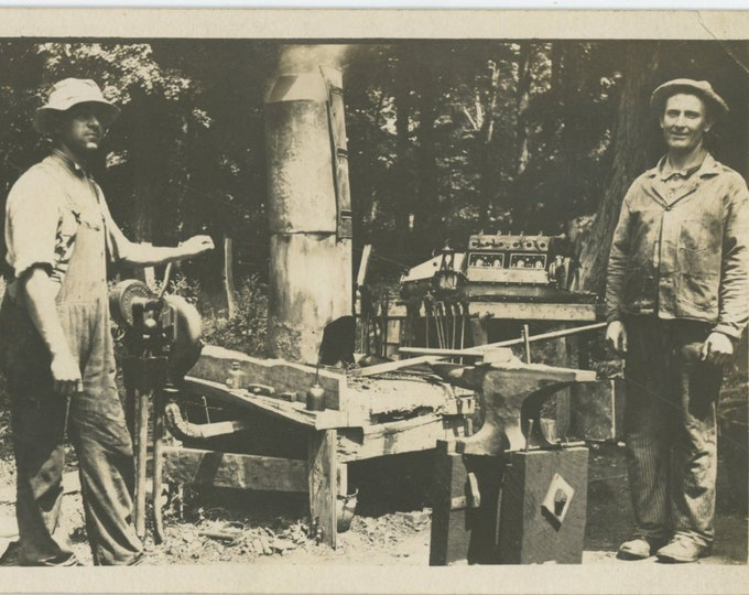 "Vintage Snapshot Photo: Shade Tree Mechanics in ""Workshop""(88716)"