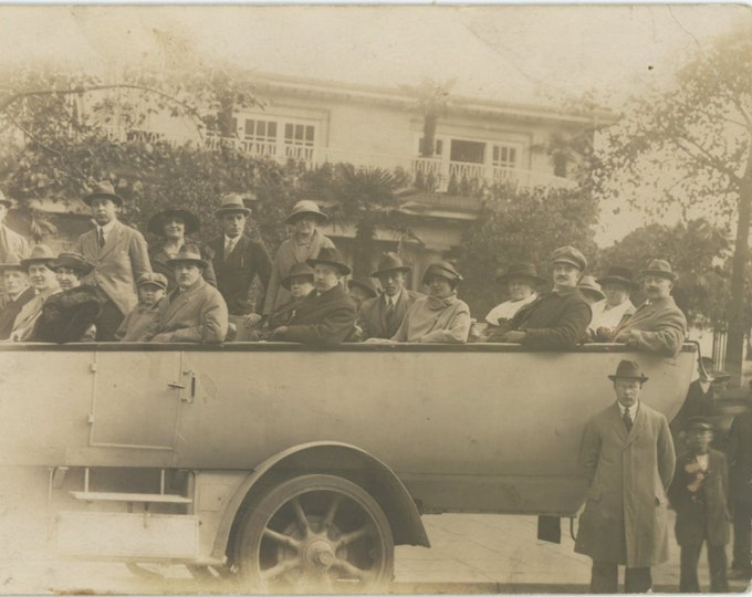 Vintage Snapshot Photo: Bus Tour, 1910s-20s (88708)