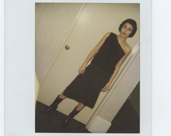 Vintage Polaroid Snapshot Photo: In Black [82652]