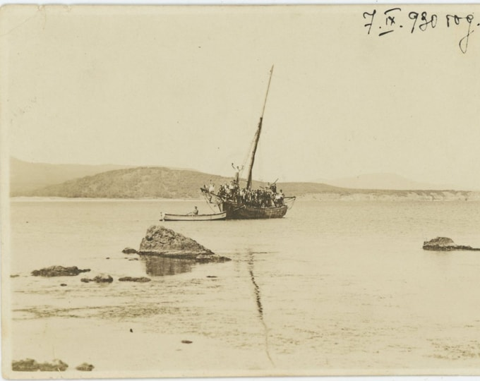 Vintage Snapshot Photo, Bulgaria, 1930: Boatload [84663]