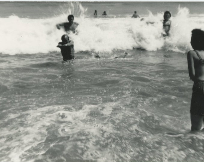 Vintage Snapshot Photo: Playing in the Ocean [86694]