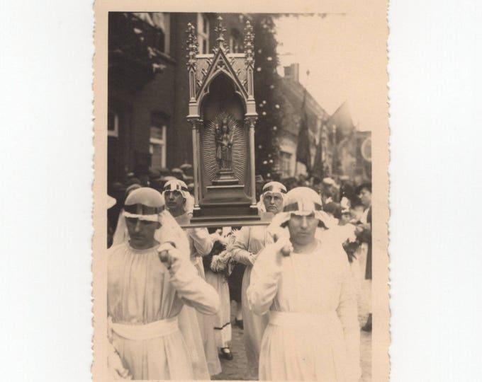 Religious Procession, Knesselare, Begium, c1940s-50s RPPC: Vintage Snapshot Photo [81647]