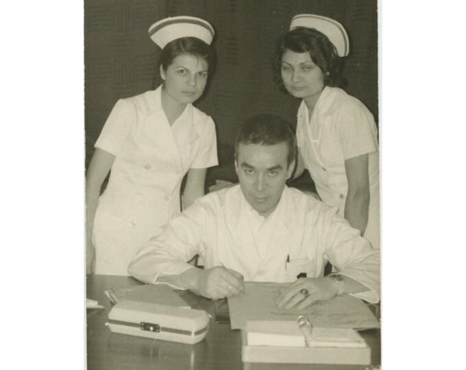 Vintage Snapshot Photo: Medical Team, Turkey, c1960s [810734]